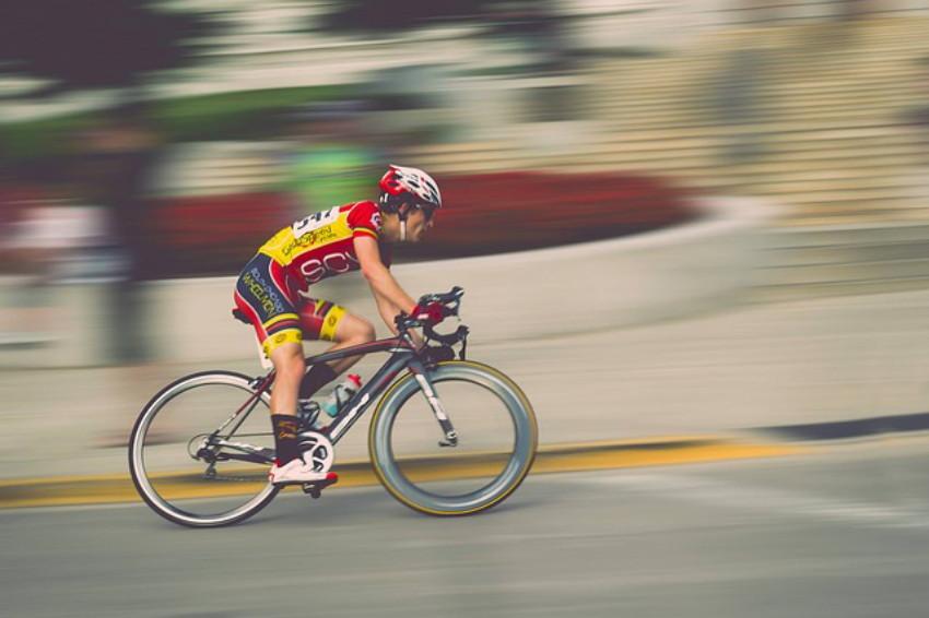 ciclismo oggi in televisione